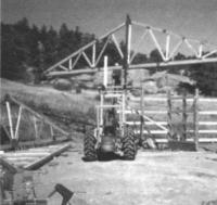 10.11. Подъемник, используемый для установки строительных ферм на место