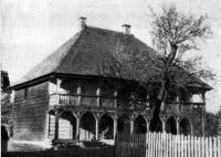 Деревянное строение XVII века во дворе Бригитского монастыря