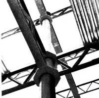 Примыкание решетчатых балок перекрытий к внутренней колонне