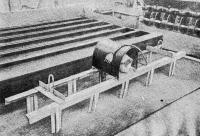 Рис. 41. Вибронасадка для уплотнения бетонной смеси
