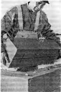 Рис. 51. Кладка ячеистобетонных камней «насухо»