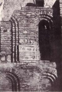 Успенский собор Печерского монастыря. Деталь кладки северного фасада