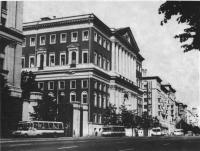 Здание Моссовета на улице Горького, 13. Архитектор Д. Чечулин, 1945