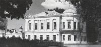 Жилой дом середины XIX в. на углу Советского проспекта и ул. Красноармейской