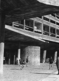 Жилой дом в Марселе. Ле Корбюзье, 1952